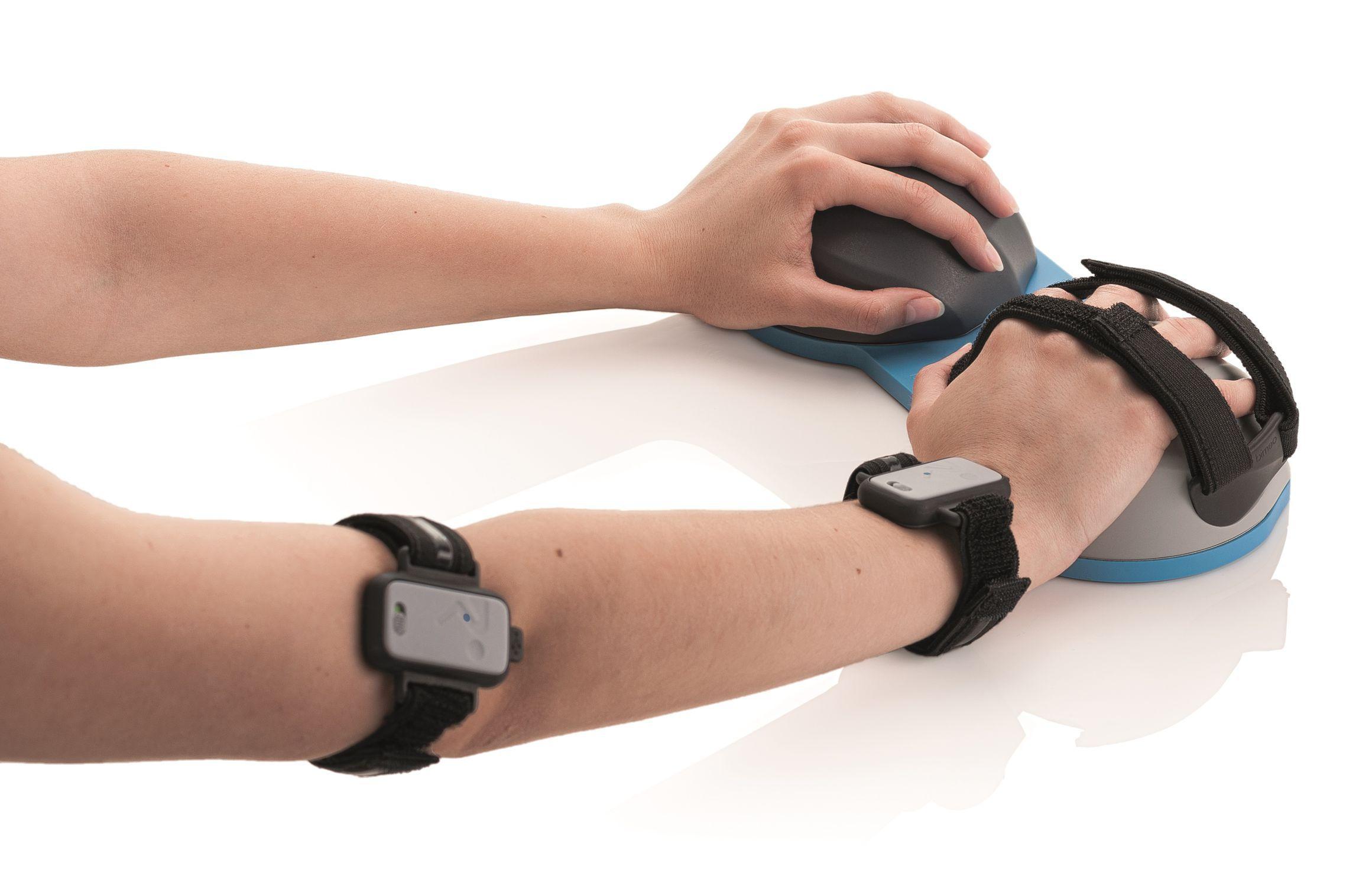 Arm rehabilitation system / hand / adult / computer-based